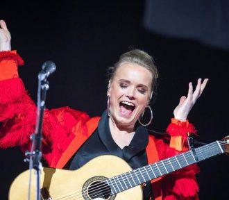 Watch Ane Brun's complete 2018 Oslo Spektrum arena concert